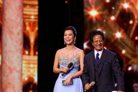 Che Linh bat ngo noi yeu MC Nguyen Cao Ky Duyen - Anh 1