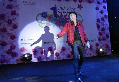 Fan chen lan den nghet tho de nhin Noo Phuoc Thinh - Anh 4