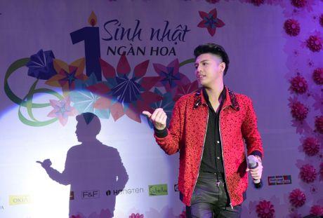 Fan chen lan den nghet tho de nhin Noo Phuoc Thinh - Anh 8