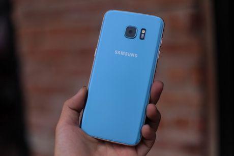 Anh Samsung Galaxy S7 edge xanh san ho sap ban tai VN - Anh 1