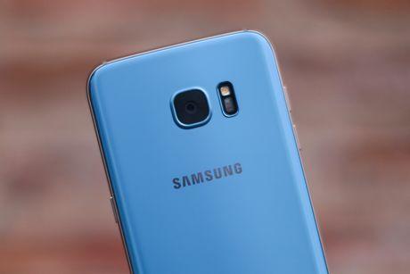 Anh Samsung Galaxy S7 edge xanh san ho sap ban tai VN - Anh 2