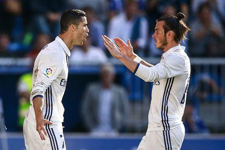 Ronaldo lap hat-trick, Real thang dam Alaves 4-1 - Anh 5