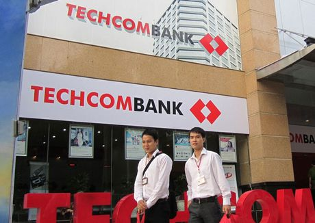 Techcombank bao lai 2.864 ty dong, no xau con 1,81% - Anh 1