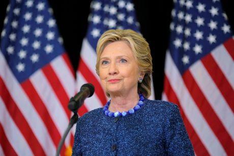 FBI dieu tra loat thu moi bi ro ri cua ba Clinton - Anh 1
