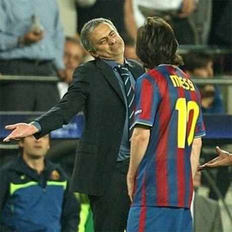 Mourinho: 'Khi Messi sang tuoi 34, nguoi ta se khoc khi xem cau ay' - Anh 1