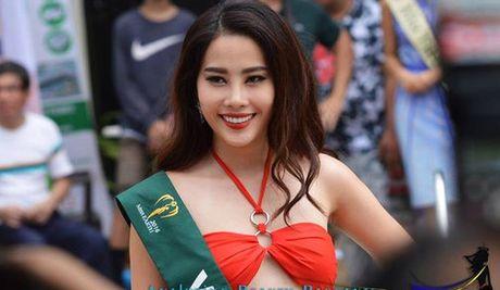 Nam Em vao top 8 Hoa hau Trai dat 2016 - Anh 5