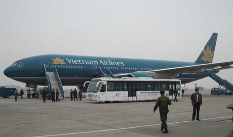 Hang chuc hanh khach cua Vietnam Airlines phai cap cuu tai Nhat Ban - Anh 1