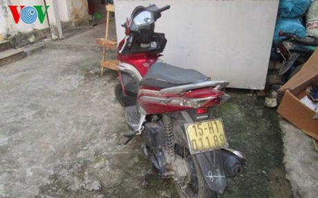 Bat doi tuong chuyen trom cap xe may - Anh 1