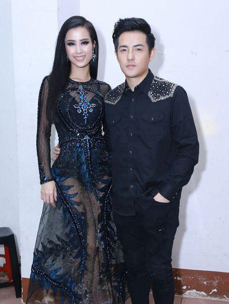Tu Anh, Pham Huong so vay 'thien nga' xuyen thau me nguoi - Anh 13