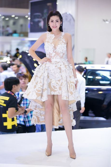 Tu Anh, Pham Huong so vay 'thien nga' xuyen thau me nguoi - Anh 2