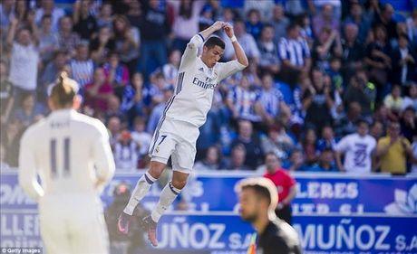 Alaves 1-4 Real Madrid: Su tro lai cua Cristiano Ronaldo - Anh 1