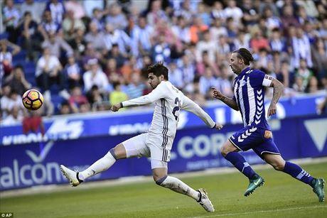 Alaves 1-4 Real Madrid: Su tro lai cua Cristiano Ronaldo - Anh 5