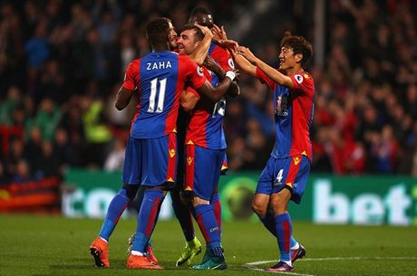 Liverpool danh bai Crystal Palace trong con mua ban thang - Anh 2