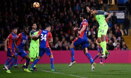 Liverpool danh bai Crystal Palace trong con mua ban thang - Anh 4