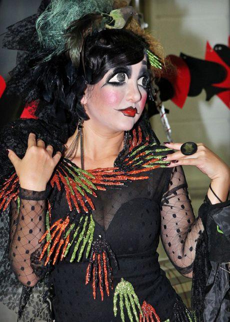 Nhung man hoa trang rung ron nhat dip Halloween cua sao Viet - Anh 2