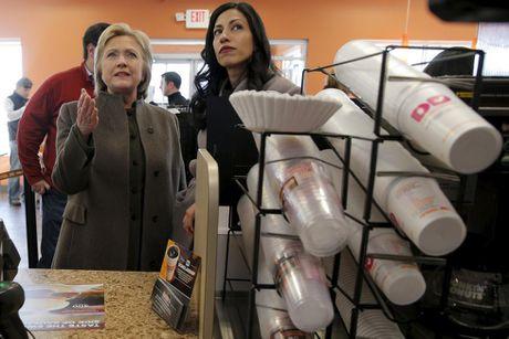 Chum anh nu tro ly xinh dep cua ba Hillary Clinton - Anh 7