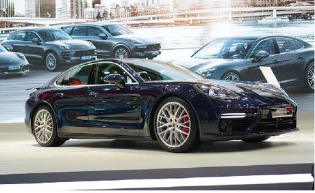 Porsche Panamera Turbo 2017 ve Viet Nam gia 10,7 ty dong - Anh 1