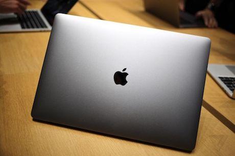 MacBook Pro moi cat bot phu kien, logo Apple khong phat sang - Anh 1