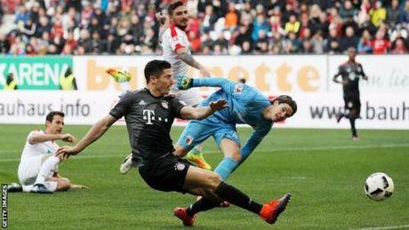 Bayern Munich thang de Augsburg - Anh 1