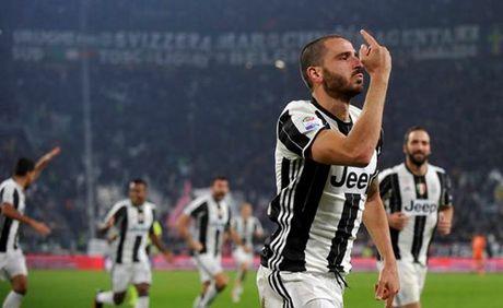 Juventus 2-1 Napoli: 'Phan do' Higuain - Anh 2