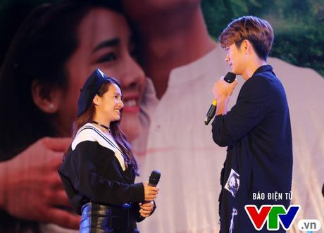 "Nha Phuong tu tin ""ban"" tieng Han nhu gio ben Kang Tae Oh - Anh 5"