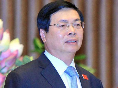 """Cuu Bo truong Vu Huy Hoang co dau hieu vu loi - Chu de """"nong"""" tren cac bao tuan qua - Anh 1"""