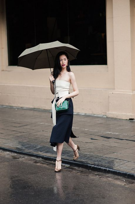 Dien vien Mai Thanh Ha dien trang phuc bo sat, khoe duong cong - Anh 4
