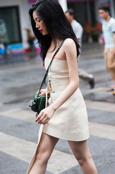 Dien vien Mai Thanh Ha dien trang phuc bo sat, khoe duong cong - Anh 7