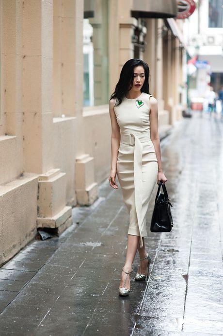 Dien vien Mai Thanh Ha dien trang phuc bo sat, khoe duong cong - Anh 9