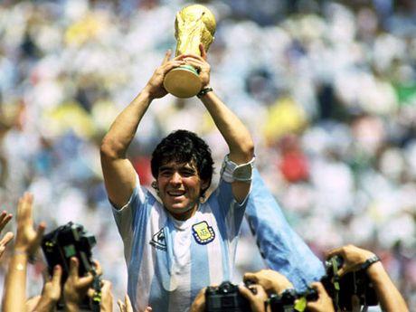 Mung sinh nhat Maradona 56 tuoi: Vi nhan san co - Anh 2