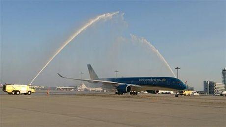 Vietnam Airlines khai thac may bay Airbus A350 tren duong bay TP.HCM- Osaka - Anh 1
