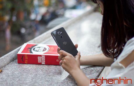Tren tay Blackberry DTEK60: thiet ke khong moi nhung bong bay hon - Anh 12