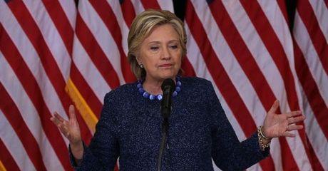 Ba Clinton 'thuc' FBI giai trinh ve dong co dieu tra email - Anh 1
