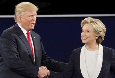 Bau cu My: Trump 'but pha' sau vu email cua ba Clinton - Anh 1