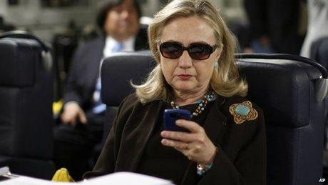 Scandal FBI dieu tra email cua Hillary: Su that la gi? - Anh 2