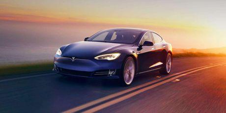Xe Tesla tu lai dua chu nhan toi cho lam, tu tim cho do - Anh 1