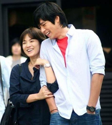 Song Hye Kyo dang hen ho voi Song Joong Ki hay Yoo Ah In? - Anh 5
