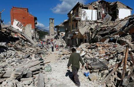 Italy: CGR canh bao nguy co them nhieu tran dong dat manh trong thoi gian toi - Anh 1