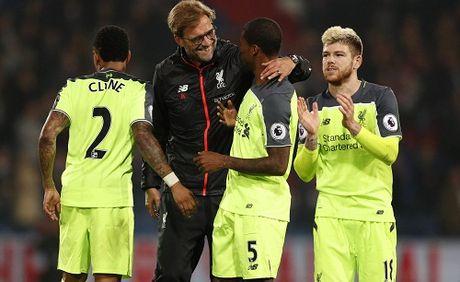 Liverpool noi dai mach thang, bam sat Man City va Arsenal - Anh 2