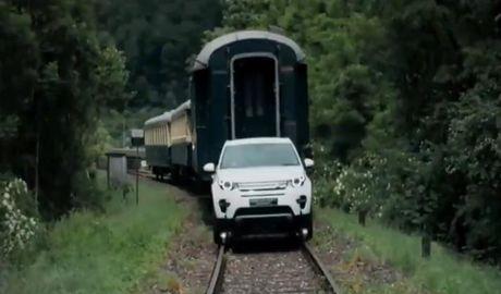 Tron mat xem Land Rover Discovery 2017 keo tau hoa - Anh 1