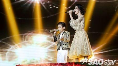 Noo dien lai ao tai Asia Song Festival, Dong Nhi hoa tieu thu trong trang phuc co dien - Anh 6