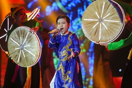 Nhat Minh - hoc tro Dong Nhi dang quang quan quan Giong hat Viet nhi 2016 - Anh 3
