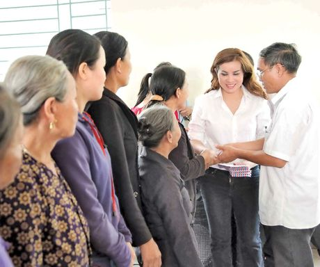 De nhat Hoa hau Quy ba Kim Hong mang am thuc Viet ra the gioi - Anh 1