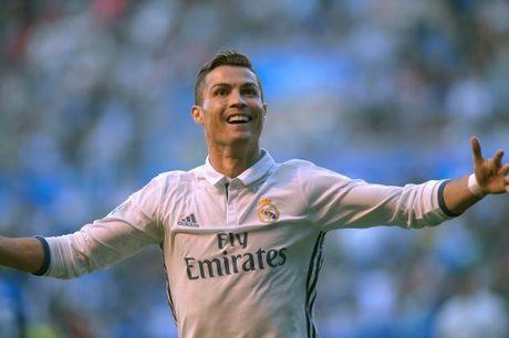 Lap hat-trick, Ronaldo dap tan moi chi trich - Anh 1
