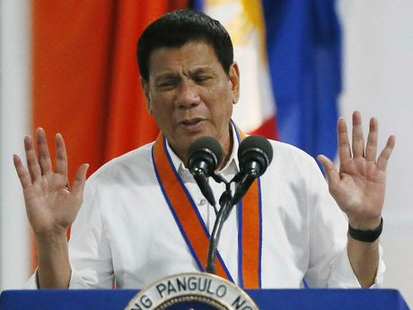 Philippines triet pha am muu danh bom 'dan mat' Duterte - Anh 1