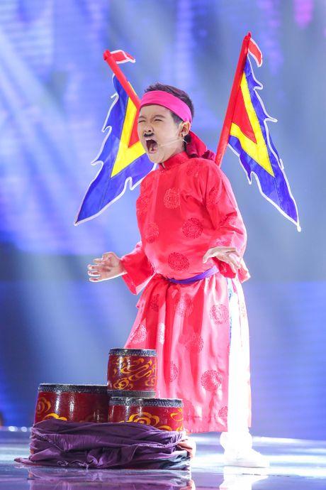 Dong Nhi giai thich ly do den tre khi game show da len song - Anh 2