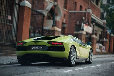 Lamborghini ra mat Aventador ban dac biet - Anh 6