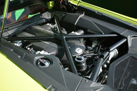 Lamborghini ra mat Aventador ban dac biet - Anh 9