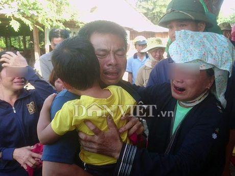 Nghi can no sung o Dak Nong bat khoc ra dau thu - Anh 3