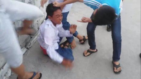 Hoc sinh pho thong 'no don', truong dai hoc lo tu chu - Anh 1